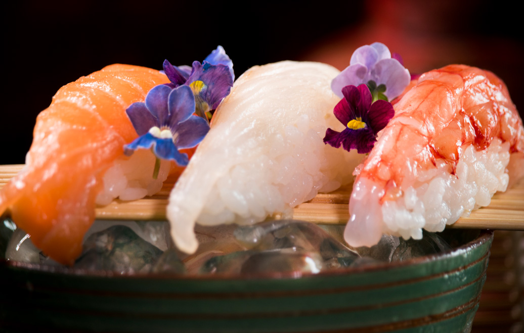 ngiri sushi salmone pesce bianco gambero rosso Mazara